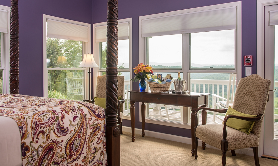 Palisades Room - Voted most romantic by our guests. Can't beat the views!